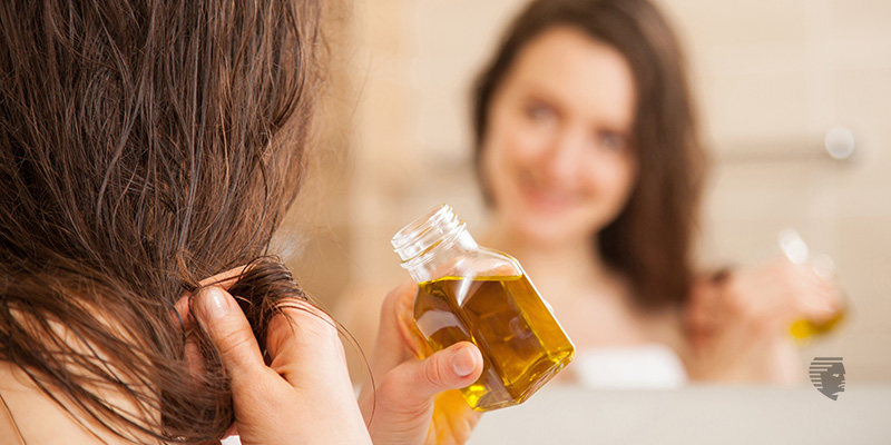 7 Astonishing Benefits of Almond Oil for Hair